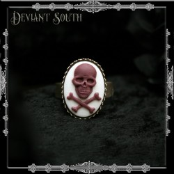 Deviant South Memento Mori Ring with Skull 'n Crossbones Small Cameo