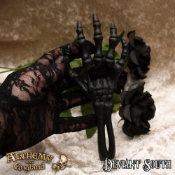 [Special Order] Alchemy Gothic Pinkington's Precision Warp-Dissection Shears necklace