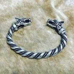 [On Demand] Viking Bangle Wolf Heads