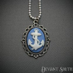 Deviant South Cameo Necklace - Anchor White & Blue