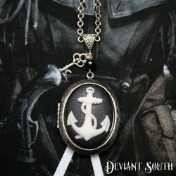 Deviant South 'Anchors Aweigh' Locket - White | Black